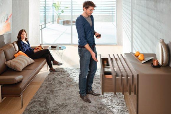 Kvalitné nábytkové kovanie #3 – Pohyb kovaní